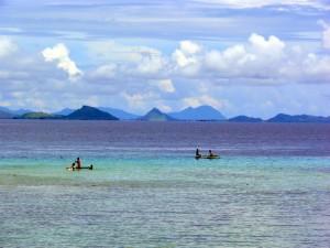 Blick von Mabul auf die Küste mit Semporna