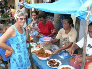 Mitnahme-Essen (bungus) vom Markt