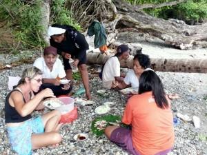 Danach geräucherter Fisch mit Säuerungssauce + Kokosreis