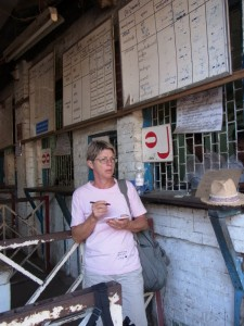 auf der Touristen-Zugbuchungsstelle ohne Ziele  auf Englisch