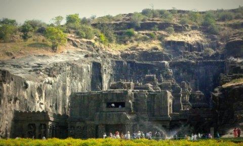 Kailasa-Tempel Nr. 16 - mittags
